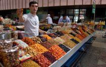 Almaty – vůně asijského trhu i sváteční motlitba před mešitou