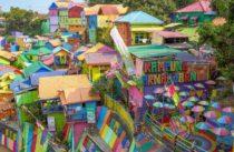 Barevný slum milionářů z chatrčí